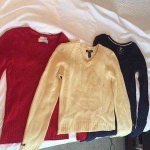 Lot of 3 small sweaters
